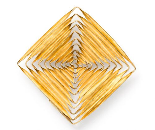 spiral brooch- shape [square] all spiral pieces are elaborated handmade works:Thin stripes from silver or gold are wound and solderedalle spiral werkstücke sind aufwendig hergestellt:dünne Silber- oder Goldstreifen sind gewickelt und gelötet.