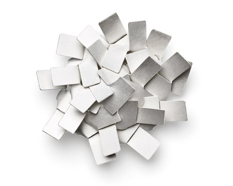 KIKU brooch silver