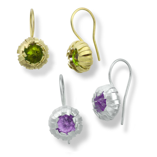 earrings KNOSPE with gemstone PERIDOT 12mm / gold 18 karat (together with earrings in silver with gemstone ametyst)