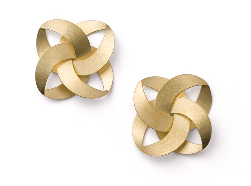 musubi FLAT earrings gold