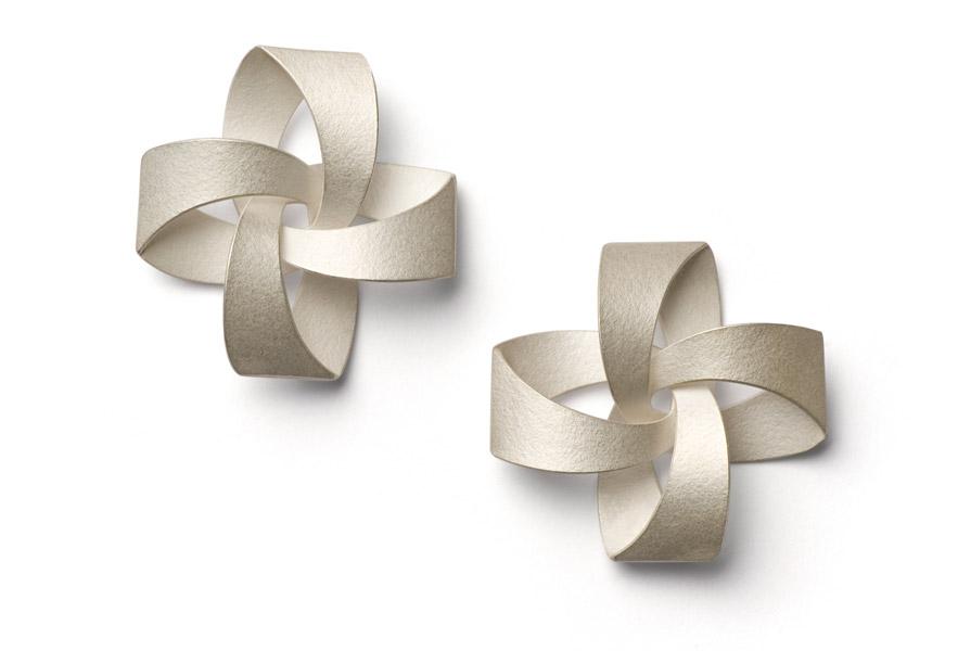 """MUSUBI """"RIBBON"""" earrings silver"""
