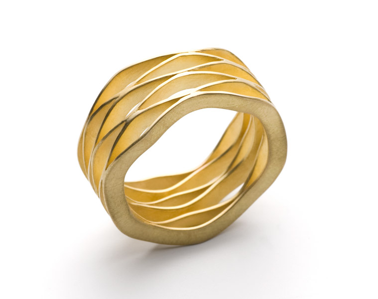 wave 6 ring gold 18 karat